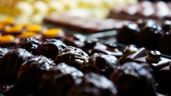 Pralinen mit dunkler Schokolade